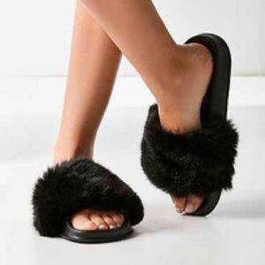 UO Faux-Fur Slides